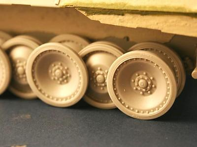 """""""Strengthen"""" Road wheels for Panther """"D"""", RE35-113, PANZER ART, 1:35"""