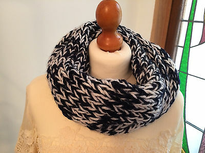 Easy knitting kit for a cosy cowl in navy and white