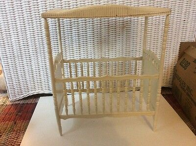Vintage Collectible Ideal Thumbelina Nursery Furniture Doll Bed Baby Crib
