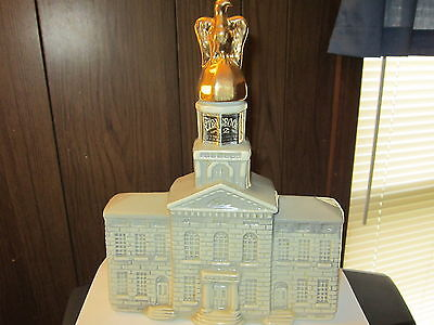Ezra Brooks 1969 New Hampshire State House Decanter Liquior Bottl Heritage China