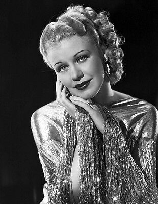 Ginger Rogers UNSIGNED photo - H4718 - Roberta