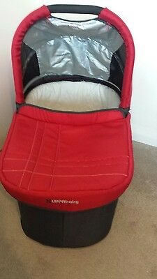 Uppababy Vista Carrycot/Bassinet in Red 2014 edition