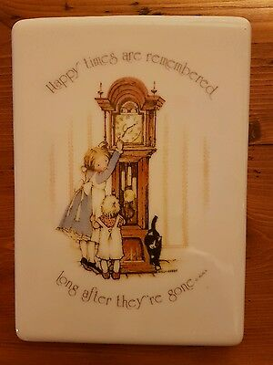 """Vintage Holly Hobbie Blue Girl & Cat Ceramic Plaque """"Happy Times are Remembered"""""""