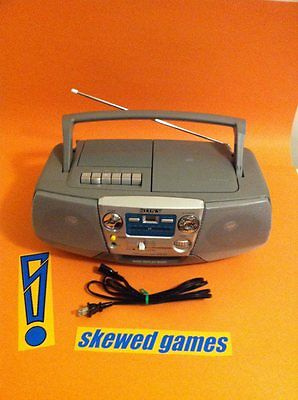 SONY CD AM FM Radio Cassette Tape Recorder Player Model CFD V7 BOOMBOX Stereo -