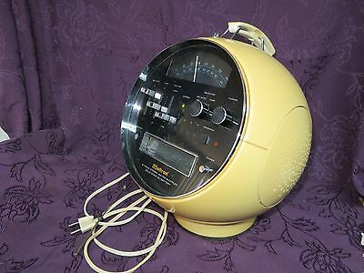 Vintage Weltron Model 2001 Space Ball 8 Track Stereo Tape Player AM/FM Radio