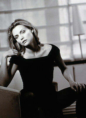 Michelle Pfeiffer UNSIGNED photo - H4877 - SEXY!!!!!!