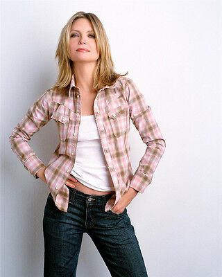 Michelle Pfeiffer UNSIGNED photo - H4879 - SEXY!!!!!!