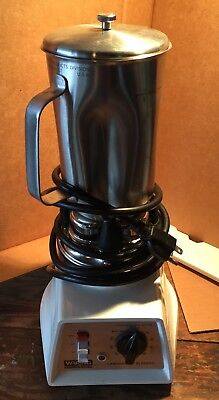Waring Commercial Labratory Blender, 51BL30 (7010*), Base + Stainless Container