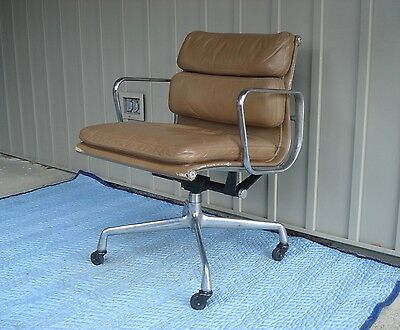 Vtg EAMES LEATHER Mid-Century Modern HERMAN MILLER SOFT PAD CHAIR Aluminum Group