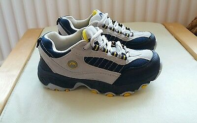 ***SALE*** Mountain guides boys walking boots shoes size 3 new