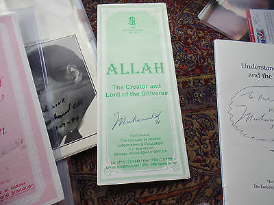 MUHAMMAD ALI hand SIGNED GREEN PAMPHLET auto autograph NICE SHAPE ins with year