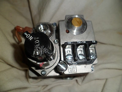 WHITE-RODGERS 36C03-333 Gas Valve, Fast Opening, 230, 000 BtuH