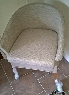 Bedroom Commode Chair ( oatmeal )