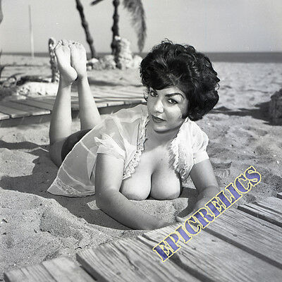 "F-2 1960s 2¼"" NEGATIVE JODY HOLMES BUSTY BRUNETTE POSES PROVOCATIVELY by VOGEL"