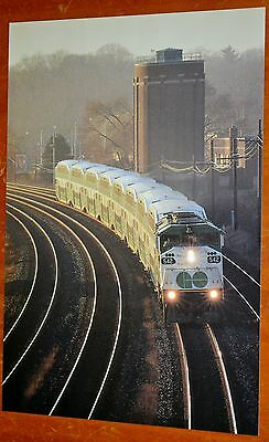 Toronto Commuter Go Train With F59Ph Locomotive In 1990S - Canadian Railroad