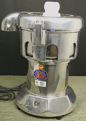 Ruby 2000 Commercial Juicer Juice Extractor w/ Plunger - Excellent Condition!