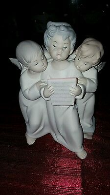 Lladro Group Of Angels Singing Figurine #4542 - COLLECTIBLE sorry no box.