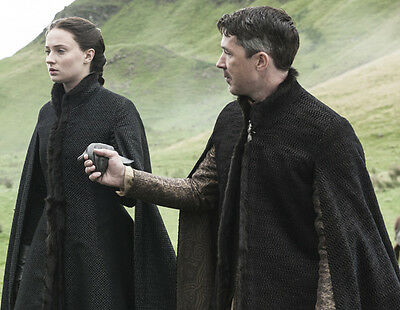 Sophie Turner and Aidan Gillen UNSIGNED photo - H5249 - Game of Thrones