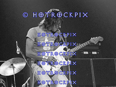 16X20 Inch Photo Poster Of Jeff Beck In Concert 1976