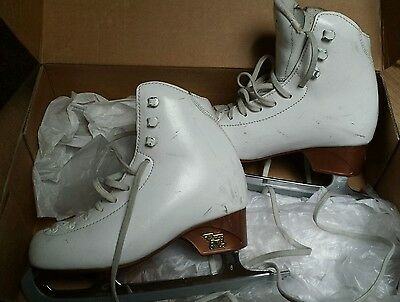Size 13 ice skating boots