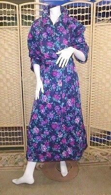 VINTAGE DRESSING GOWN HOUSECOAT 70s navy quilted nylon wrapacross size 10
