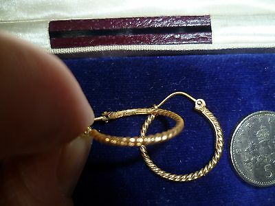 Solid 9Ct Hallmarked Yellow Gold 18Mm Twist Round Hoop Earrings Sleepers Vgc