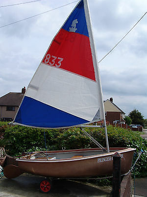 sailing dingy with road trailer/and launch trolly