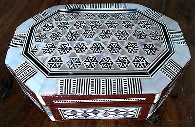 Vintage Indian mother of pearl inlaid hinged lid wooden box
