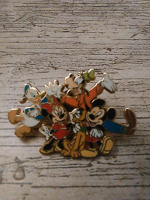 Pin's Disney Mickey Et Compagnie