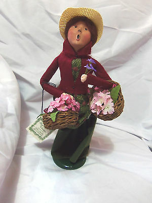 1994 BYERS CHOICE Caroler Woman with Flower Baskets