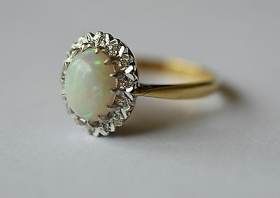 18ct Art Deco design cabochon opal and diamond gold ring