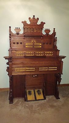 Antique Estey Reed Pump Organ circa 1869