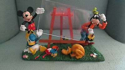 Disney Disneyland 3D Picture Frame Mickey Goofy Donald Duck Pluto Easel Painting