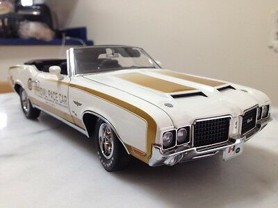 Exact Detail 1/18 1972 Hurst Oldsmobile Indy Pace Car Item 305. 2492 of 3000.