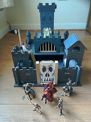 woodern haunted castle le toy van & 10 piece papo dark hoard