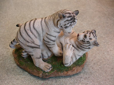 Siegfried & Roy Exclusive White Tigers Figurine Magician Mirage Las Vegas