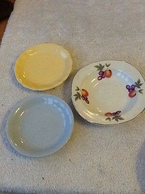 3 Meakin Dishes