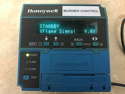 Honeywell Burner Control RM7823 - Complete Unit, Clean and tested
