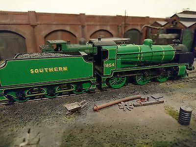 Bachmann OO gauge Southern N class locomotive DCC fitted.