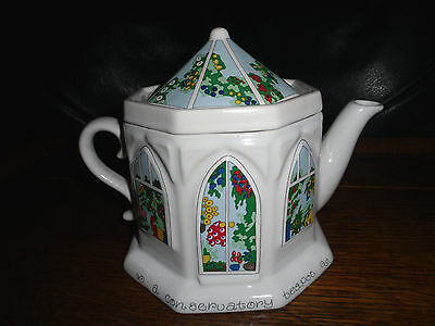 Wade decorative tea pot 1 of 4 Conservatory teapot approx 14cms with lid
