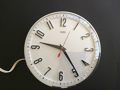 Metamec Electric Clock Working With Plug Vintage White Face With Black Numbers