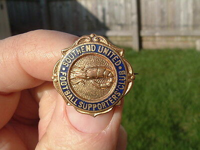 Vintage Southend United Football Supporters Club Enamel Badge.
