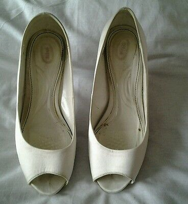 Size 7 Debenhams Wedding Ivory peep / open toe shoes. Scholl insoles included.
