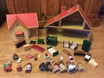 Sylvanian Families Vintage House X2 with Figures And Furniture
