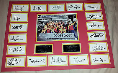 ESSEX Cricket SIGNED Totesport Div 1 Champions 2005 Players Team Mount