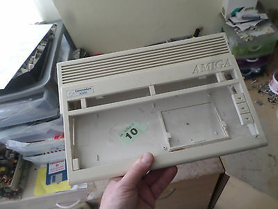 Amiga 600 replacement Case fair condition some yellowing+screws no 10