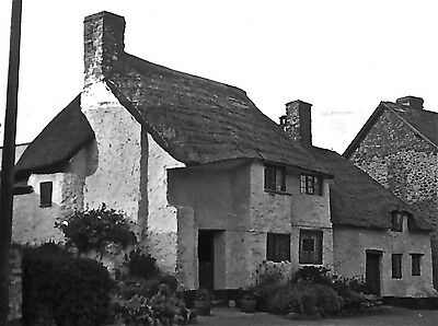 UK VILLAGE COTTAGES HELP APPRECIATED 1920/30s 1/6th PLATE GLASS NEGATIVE-6th 026