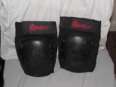 Anarchy Skate kneepads large