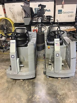 Nilfish-Advance HR 2800 Rider Ride On  Floor Scrubber Cleaner w/ Batteries