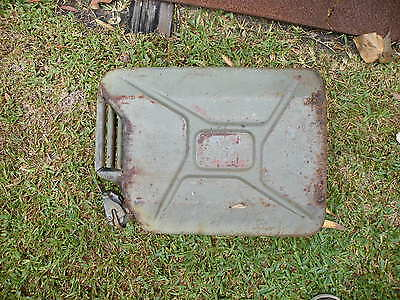 Australian Army/ Australian made Jerry Cans; Seven 7 in total. See Description